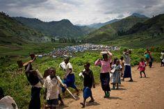 Люди слышат о Демократической Республике Конго из новостей в основном в негативном ключе. Пресса постоянно акцентирует внимание на проблемах с безопасностью, бедностью, распространение СПИДа. На этом фоне появилось несколько популярных заблуждений об этой стране. Некоторые из мифов изначально имели зерно истины, но были раздуты до такой степени, что превратились в вымысел. Давайте попробуем узнать побольше об этой удивительной африканской стран... http://www.molomo.ru/myth/congo.html #Конго