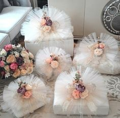 This Pin was discovered by Mer Wedding Hamper, Wedding Gift Baskets, Wedding Gift Wrapping, Wedding Gift Boxes, Wedding Gifts For Bride, Bridal Gifts, Wedding Cards, Diy Wedding, Wedding Favors