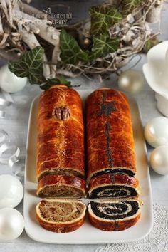 Hungarian Nut Roll Recipe, Bakery Recipes, Dessert Recipes, Hungarian Desserts, Polish Recipes, Cookie Desserts, Food Photo, Hot Dog Buns, Holiday Recipes
