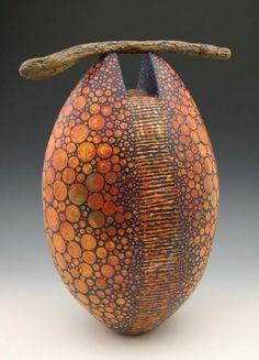 harvestheart:  iloverainandcoffee:  Foto di Melanie Ferguson   Facebook  HH: Beautiful instrument.