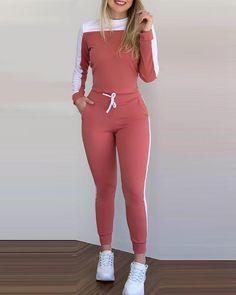 Sports Trousers, Sport Pants, Trouser Outfits, Sporty Outfits, Trend Fashion, Fashion Outfits, Women's Fashion, Origin Clothing, Islamic Clothing