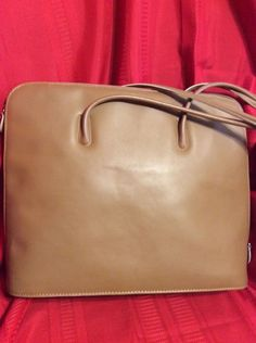 "ITALIAN LEATHER Large 15"" Laptop Case Handbag Purse Tote Satchel ~ EUC by moodsoflife. Explore more products on http://moodsoflife.etsy.com"