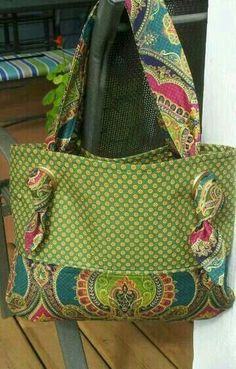 handmade purses Sewing Purses And Bags Colour Ideas Sacs Tote Bags, Tote Purse, Tote Handbags, Purses And Handbags, Fabric Handbags, Patchwork Bags, Quilted Bag, Bag Quilt, Handmade Purses