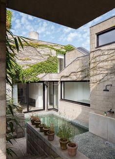 Vandemoortele residence in Ghent, Belgium | 1972 | Architects Johan Raman and Fritz Schaffrath | renovation by Depoorter-Holdrinet Interior Architects | photo by Frederik Vercruysse
