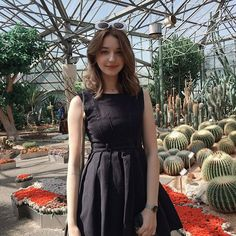 So hot today🌞🔥 I can't even imagine this kind of weather in april back in Russia! Cute Girl Face, Cool Girl, Beautiful Girl Image, Beautiful People, Kurt Cobain, Angelina Danilova, Western Dresses For Women, Chica Cool, Western Girl
