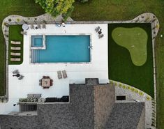 Whether it's relaxation or play that you desire, SYNLawn is easily customizable. Take a look at this dream backyard. #synlawnlovespets #artificialturf #golf #madeintheUSA #puttinggreen #landscapedesign #backyarddesign #backyardinspo #backyardpool #patiodesign Lawn And Landscape, Landscape Design, Artificial Turf, Patio Design, Grass, Eco Friendly, Paradise, Relax, Golf