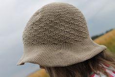 Tuulen silmään: Virkattu hattu