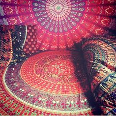Duvets available for fall coming soon to @vivi_and_sam www.viviandsam.com #duvet #bedding #homedecor #gypsy #gypsystyle #organic #cotton #handmade #shopsmall #fairtrade #red #bohemian #bohostyle (at Gainesville, Florida)#mandala #beautiful #bedspread #love #lovely #giftideas #gift