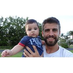View the Shakira and Gerard Pique share family photos of their adorable son photo gallery on Yahoo Sports. Find more news related pictures in our photo galleries. Shakira Baby, Shakira Y Pique, Shakira And Gerard Pique, Milan Pique, Latest Celebrity Gossip, Celebrity Babies, Portraits, Fathers Love, Sons
