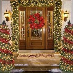 Beautiful front door decor for the Holidays!