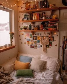 vintage room ideas library magic // Im not sure exactly when my small collection of thirty-ish books grew to something closer to three hundred, but man, Dream Rooms, Dream Bedroom, Bedroom Wall, Bedroom Posters, Girls Bedroom, Master Bedroom, Cute Room Decor, Wall Decor, Indie Room Decor