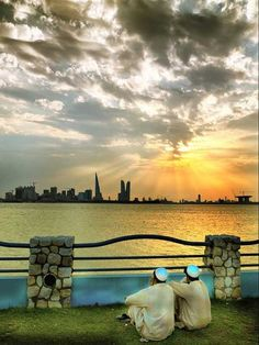 May the Sun of Righteousness arise over Bahrain and bring healing in His wings ... Praise Jesus!!
