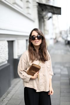 SAFARI ANYONE? | Fiona from thedashingrider.com wears a Selected Femme Blouse, Culottes from Oasis, & Other Stories Sandals and a Saint Laurent Bag #ootd #whatiwore #petite