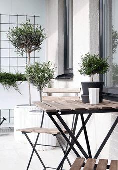 STIL INSPIRATION: Create a stylish green balcony the city