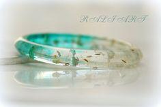 Resin real flower Resin bracelet Bracelet by RALIJEWELLERY on Etsy