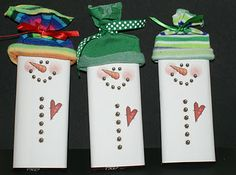 I just love love love snowmen of all kinds, shapes, and materials! Cute idea!