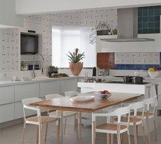 Cozinha grande com ilha