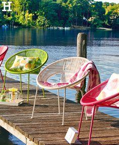 """In fröhlichen Farben kommt unser Gartensessel """"Adria"""" daher und sorgt für Sommerlaune. #gartensellen #stuhl #farbe #balkon #garten"""