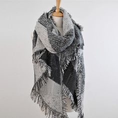 Écharpe classique avec franges motif plaid -Noir gris   FOULARDS    Pinterest   Plaid noir, Plaid et Franges f58b814684d