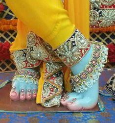 Lord Krishna Wallpapers, Radha Krishna Wallpaper, Krishna Radha, Lord Shiva Pics, Lord Krishna Images, Good Morning Picture, Morning Pictures, Hindu Art, Deities