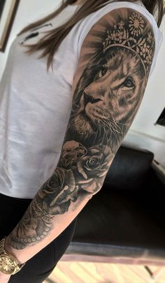sleeve lion tattoos for women, {ab, tatouages lion manches pour femmes, tatuaggi leone manica manica per le donne lion tattoo 08 Thu 2019 Tattoos Bein, Badass Tattoos, Body Art Tattoos, Tattoos Skull, Lion Tattoo Sleeves, Best Sleeve Tattoos, Female Tattoo Sleeve, Arm Sleeve Tattoos For Women, Lion Arm Tattoo