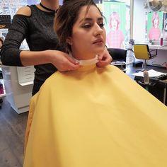 07 Bald Girl, Hairdresser, Barber, Apron, Cowls