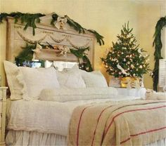 decorate the bedroom at Christmas