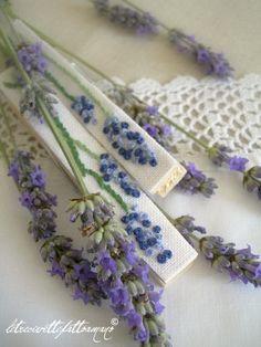 letrecivette: Lavender pins...