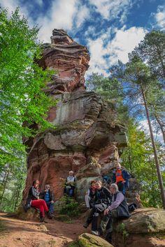 Der Napoleon-Steig in Bruchweiler Bärenbach / Dahner Felsenland ist ein Wanderweg mit vielen Buntsandsteinfelsen und vielen Pfaden.
