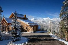 Paragon Lodging offers the best lodging in Breckenridge. Our vacation homes integrate the very best in world-class luxury amenities. Brekenridge Colorado, Breckenridge Vacation Rentals, Villas In Italy, Vacation Villas, Luxury Villa, Family Travel, Places To Visit, Around The Worlds, Mountains