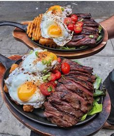 Perfect lunch for Keto and Low-Carb diets 😍😋 . Carne Asada, Cooking Recipes, Healthy Recipes, Breakfast For Dinner, Steak Breakfast, Breakfast Healthy, Steak And Eggs, Food Website, Food Reviews