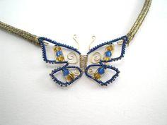 Schmetterlingscollier im trendigen Blau