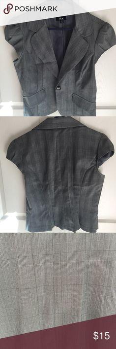 Short sleeve blazer Grey patterned blazer. 75% polyester 23% rayon and 2% spandex BCX Jackets & Coats Blazers