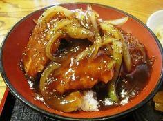 江戸屋 の 粗挽き黒胡椒のあんかけソースカツ丼 - ソースカツ丼 のことなら - どんボルガ