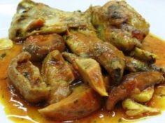 Rabbit with garlic and hazelnut sauce Eastern European Recipes, Middle Eastern Recipes, Croatian Recipes, Mexican Food Recipes, Georgian Food, Meat Steak, Israeli Food, Spanish Dishes, Australian Food