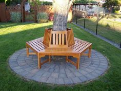 Create a charming and timeless scene in your backyard or garden with the New Haven Around the Tree Bench. Tree Seat, Tree Bench, Landscaping Around Deck, Landscaping With Rocks, Backyard Patio, Backyard Landscaping, Bench Around Trees, Outdoor Chairs, Outdoor Decor