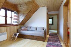 Realizáciu interiéru podkrovných priestorov