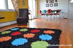 LifeOnMaple: DIY Fleece Area Rugs. using latch hook and fleece strips