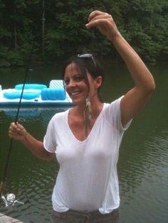 Sara Evans - 'Slippery When Wet' Fly Fishing Girls, Fishing Uk, Gone Fishing, Kayak Fishing, Fishing Chair, Fishing Knots, Fishing Humor, Trout Fishing, Country Girls