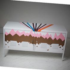 IKEA PS skabet har fået et personligt udtryk ved brug af folie.