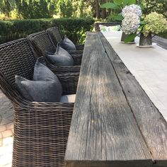 Reclaimed barn wood outdoor table - All For Backyard Ideas Outdoor Rooms, Outdoor Dining, Outdoor Tables, Outdoor Decor, Porch Furniture, Garden Furniture, Outdoor Furniture Sets, Wood Furniture, Backyard Patio