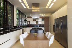 Cozinha : Cozinhas modernas por Infinity Spaces