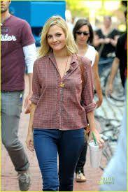Resultado de imagen para Drew Barrymore on the Going The Distance outfits