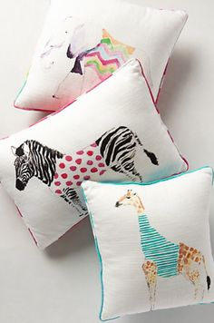 pretty safari pillows http://rstyle.me/n/nhe5npdpe