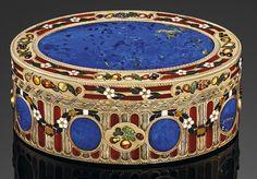 A SAXON ENAMELLED GOLD AND HARDSTONE SNUFF-BOX BY JOHANN-CHRISTIAN NEUBER (1736-1808), DRESDEN, CIRCA 1770/1775