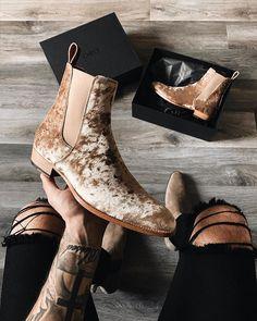 Men's Shoes, Shoe Boots, Dress Shoes, Mens Boots Fashion, Fashion Shoes, Chelsea Boots Outfit, Mens Chelsea Boots, Modern Gentleman, Vogue