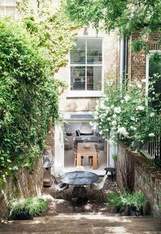 City garden inspiration - Bertolini Architects Ltd - House & Garden, The List Small Gardens, Outdoor Gardens, Exterior Design, Interior And Exterior, Interior Architecture, Outdoor Spaces, Outdoor Living, Garden Spaces, Garden Inspiration