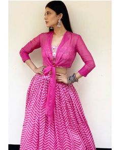 Indian Fashion Dresses, Dress Indian Style, Indian Designer Outfits, Indian Outfits, Indian Gowns, Kurti Designs Party Wear, Lehenga Designs, Navratri Dress, Lehnga Dress