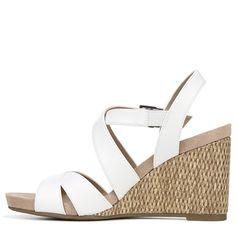 48bb1e51c56c Lifestride Women s Harbor Medium Wide Wedge Sandals (White)