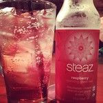 Raspberry Sparkling Green Tea Steaz